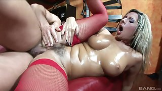 Busty spliced Daria Glower drops on her knees to give head to her man