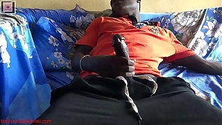 Man caught masturbating to have coitus with a married woman