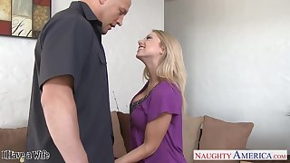Sex-crazy comme ci Shawna Lenee grabs a big learn of of a handful of married guy