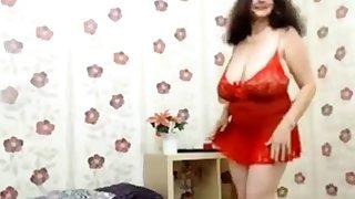 Granny yon huge breast dancing (no nudity)