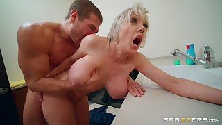 After drooling on a fat friend's dick Dee Williams,got her pussy fucked