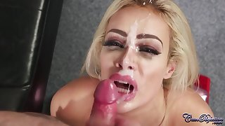 Hot MILF Chessie Kay Physio Blowjob and Facial