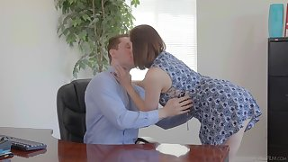 Slutty wed Sovereign Syre is cheating on her venerable husband thither young clerk