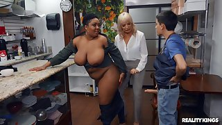 Kinky interracial threesome upon Dana Dearmond and Layton Benton